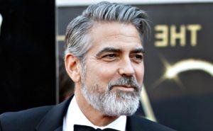cheveux grisonnants - MAN ITSELF - Spécialiste des produits de soin visage, rasage, corps, cheveux, bouche, accessoires et idées cadeaux homme
