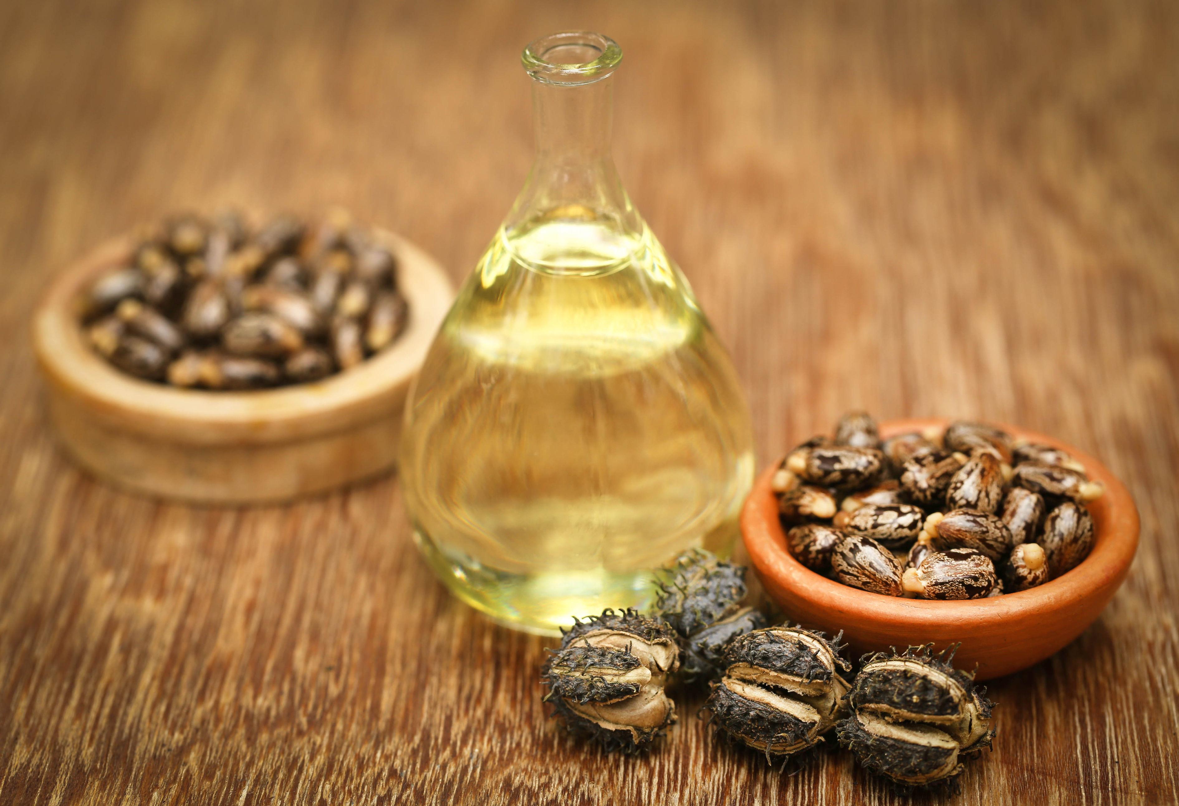 huile de ricin 2 - MAN ITSELF - Spécialiste des produits de soin visage, rasage, corps, cheveux, bouche, accessoires et idées cadeaux homme