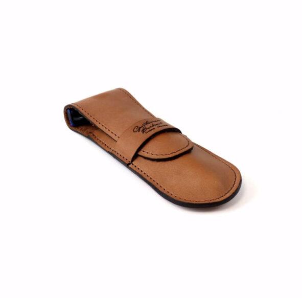 GB pochette rasoir marron clair - MAN ITSELF - Spécialiste des produits de soin visage, rasage, corps, cheveux, bouche, accessoires et idées cadeaux homme