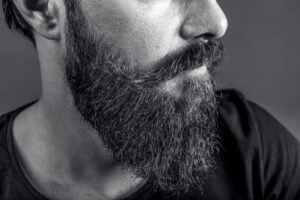 homme barbe viking ducktail